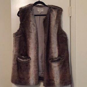 Lucky Brand Other - Lucky Brand Faux Fur Vest